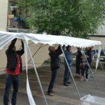 Sommerfest 2016: Zeltaufbau mit vereinten Kräften
